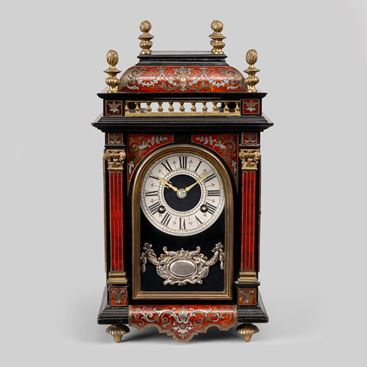 19TH CENTURY FRENCH RED TORTOISESHELL AND PEWTER MANTEL CLOCK BY MARTI OF PARIS