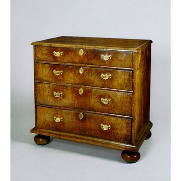 EARLY 18TH CENTURY ANTIQUE ENGLISH QUEEN ANNE WALNUT CHEST OF DRAWERS